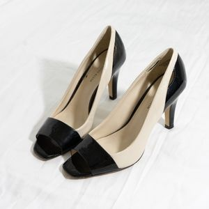 4 for $25 Anne Klein heels